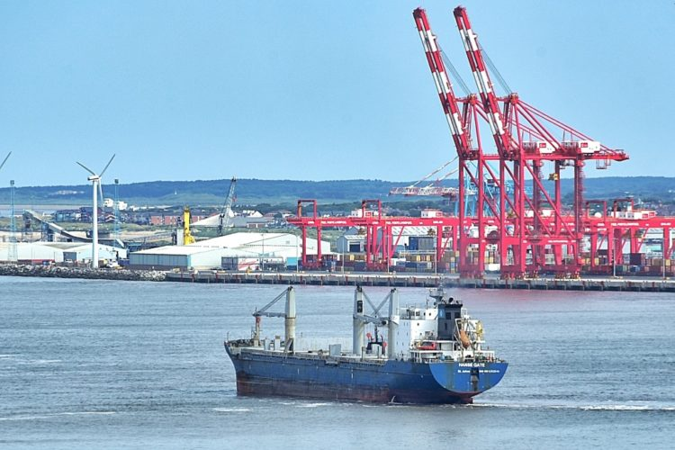 Ships on the Mersey and high and low tides on Sunday, July